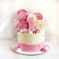 Торт с меренгами и звездами