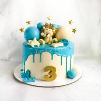 Торт №6 - Бело-голубой с фигуркой львенка