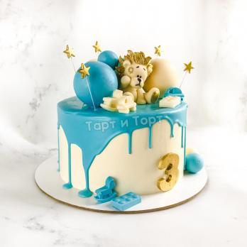 Торт для мальчика с фигуркой