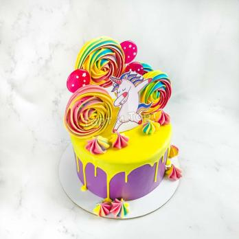 торт со съедобным декором