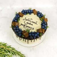 Торт №104 - Белый с голубикой и шоколадками