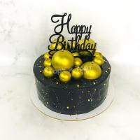торт черный с золотым