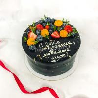 черный торт с ягодами