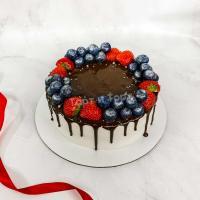 Торт №218 - С ягодками, подтёками и бусинками