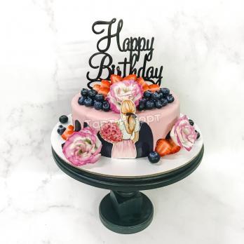 нежно-розовый торт