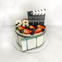 Торт №295 - С кинолентой на сахарной бумаге