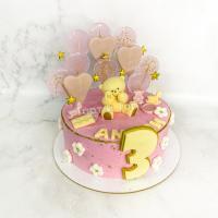 Торт №320 - Розовый с мишкой и леденцами-сердечками