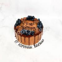 Торт №306 - С надписями, ягодами и шоколадками
