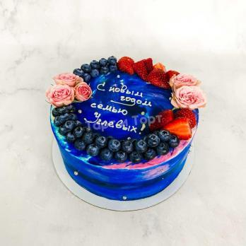 Торт №307 - Синий Новогодний с ягодами и цветами