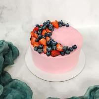 Торт №684 - Нежно розовый с ягодами