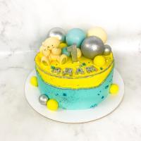 Торт №821 - Желто-голубой с мишкой и шариками